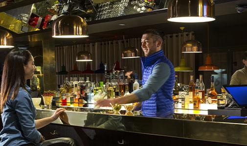 rockypop-hotel-bar-cocktail